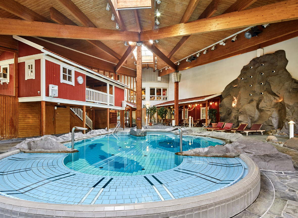 Midsommerland Ausklapper Therme Becken